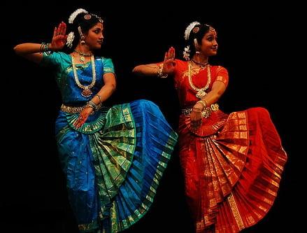 http://indianroom.ru/wp-content/uploads/2012/02/bharatnatyam1.jpg